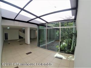 Oficina En Arriendoen Bogota, Polo Club, Colombia, CO RAH: 18-660