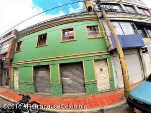 Casa En Ventaen Bogota, 7 De Agosto, Colombia, CO RAH: 18-671