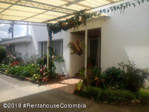 Casa En Ventaen Bogota, San Jose De Bavaria, Colombia, CO RAH: 18-673