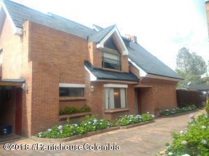 Casa En Arriendoen Bogota, San Jose De Bavaria, Colombia, CO RAH: 18-674