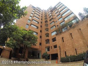 Apartamento En Arriendoen Bogota, Los Rosales, Colombia, CO RAH: 18-678