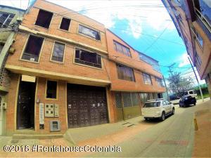 Edificio En Ventaen Bogota, Guadual Fontibon, Colombia, CO RAH: 18-685