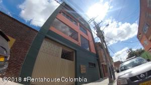 Edificio En Ventaen Bogota, Centenario, Colombia, CO RAH: 18-694