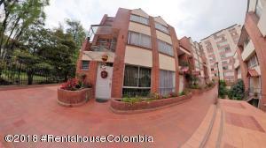 Casa En Ventaen Bogota, Santa Teresa, Colombia, CO RAH: 18-703