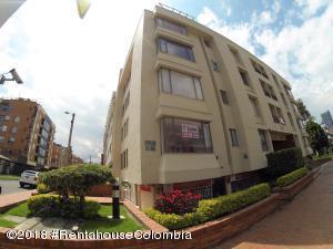 Apartamento En Ventaen Bogota, San Patricio, Colombia, CO RAH: 18-708