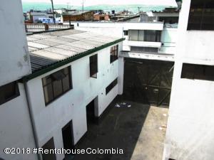 Edificio En Ventaen Bogota, Las Delicias, Colombia, CO RAH: 18-715