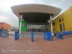Local Comercial En Ventaen Bogota, Altavista, Colombia, CO RAH: 18-716