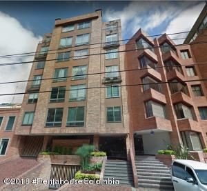 Apartamento En Arriendoen Bogota, Los Rosales, Colombia, CO RAH: 18-734