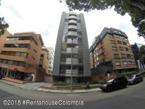 Apartamento En Ventaen Bogota, Chico, Colombia, CO RAH: 18-743