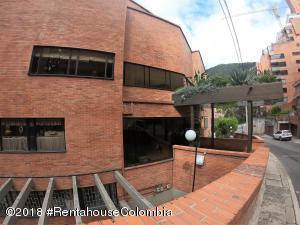 Apartamento En Arriendoen Bogota, Altos Del Chico, Colombia, CO RAH: 18-746