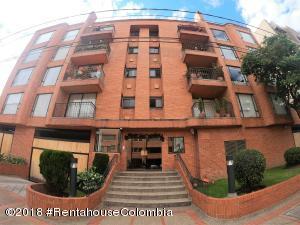 Apartamento En Arriendoen Bogota, Santa Barbara Occidental, Colombia, CO RAH: 18-751