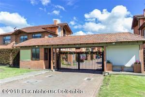 Casa En Ventaen Chia, Sabana Centro, Colombia, CO RAH: 18-772