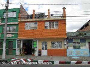 Casa En Ventaen Bogota, San Carlos, Colombia, CO RAH: 18-777