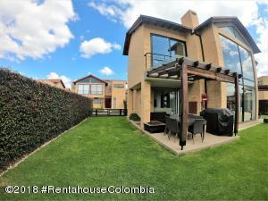 Casa En Arriendoen Cajica, Vereda Canelon, Colombia, CO RAH: 18-783