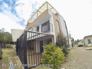 Casa En Ventaen Chia, La Balsa, Colombia, CO RAH: 18-786