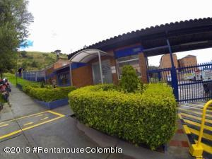Apartamento En Arriendoen Bogota, San Luis, Colombia, CO RAH: 19-70
