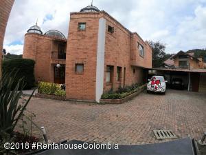 Casa En Ventaen Bogota, Suba Urbano, Colombia, CO RAH: 19-105