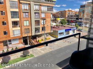 Apartamento En Arriendoen Bogota, Santa Bárbara, Colombia, CO RAH: 19-141