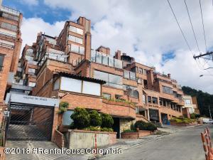 Apartamento En Ventaen Bogota, Bosque De Pinos, Colombia, CO RAH: 19-166