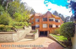 Apartamento En Arriendoen Bogota, Bosque De Pinos, Colombia, CO RAH: 19-235