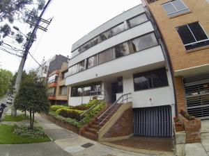 Apartamento En Ventaen Bogota, Bella Suiza, Colombia, CO RAH: 19-265