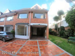 Casa En Arriendoen Bogota, Belmira, Colombia, CO RAH: 19-276