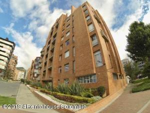 Apartamento En Arriendoen Bogota, Chico, Colombia, CO RAH: 19-287