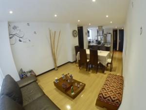 Apartamento En Ventaen Bogota, Bella Suiza, Colombia, CO RAH: 19-293