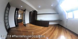 Apartamento En Ventaen Bogota, Chico Navarra, Colombia, CO RAH: 19-301