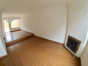 Casa En Ventaen Bogota, Bella Suiza, Colombia, CO RAH: 19-314
