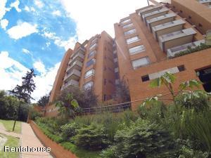 Apartamento En Ventaen Bogota, Club Los Lagartos, Colombia, CO RAH: 19-328