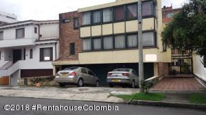 Casa En Ventaen Bogota, Santa Barbara Central, Colombia, CO RAH: 19-378