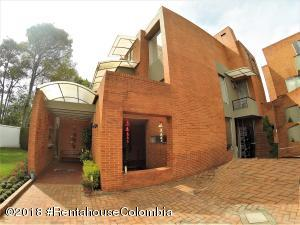 Casa En Ventaen Bogota, San Jose De Bavaria, Colombia, CO RAH: 19-381