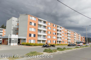 Apartamento En Arriendoen Zipaquira, Vereda Zipaquira, Colombia, CO RAH: 19-410