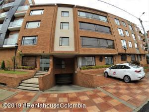 Apartamento En Ventaen Bogota, Chico Navarra, Colombia, CO RAH: 19-412