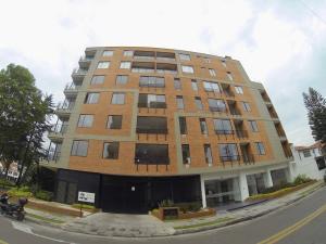 Apartamento En Ventaen Bogota, El Contador, Colombia, CO RAH: 19-414