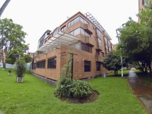 Apartamento En Ventaen Bogota, Santa Bárbara, Colombia, CO RAH: 19-440