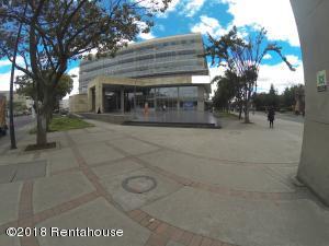 Local Comercial En Arriendoen Bogota, Zona Franca, Colombia, CO RAH: 19-450
