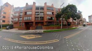 Apartamento En Ventaen Bogota, Chico Navarra, Colombia, CO RAH: 19-413