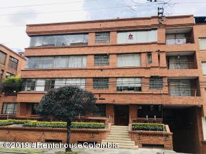 Apartamento En Ventaen Bogota, Santa Barbara Occidental, Colombia, CO RAH: 19-492