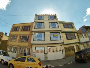 Casa En Ventaen Bogota, San Vicente, Colombia, CO RAH: 19-518