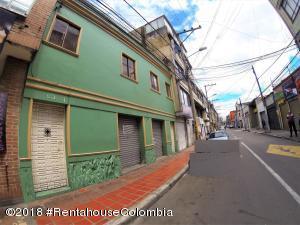 Casa En Ventaen Bogota, 7 De Agosto, Colombia, CO RAH: 19-519