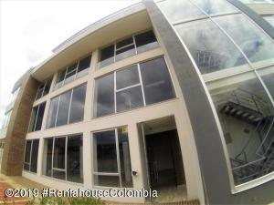 Oficina En Arriendoen Bogota, Nueva Autopista, Colombia, CO RAH: 19-522