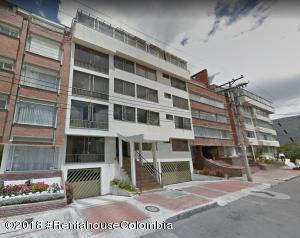 Apartamento En Arriendoen Bogota, Santa Barbara Central, Colombia, CO RAH: 19-552