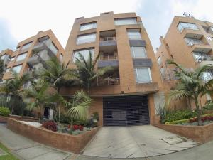 Apartamento En Ventaen Bogota, La Calleja, Colombia, CO RAH: 19-559
