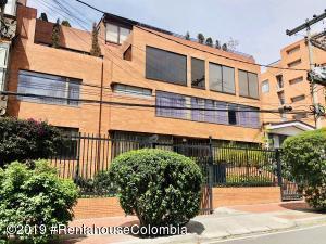 Apartamento En Arriendoen Bogota, Chico Norte, Colombia, CO RAH: 19-477