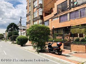 Apartamento En Arriendoen Bogota, Chico Norte, Colombia, CO RAH: 19-478