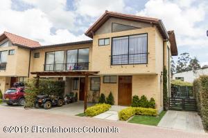 Casa En Ventaen Cajica, Calahorra, Colombia, CO RAH: 19-659