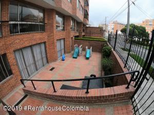 Apartamento En Ventaen Bogota, El Contador, Colombia, CO RAH: 19-658