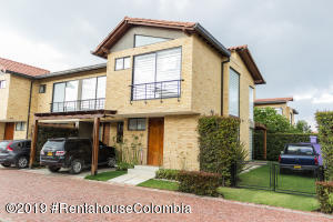 Casa En Ventaen Cajica, Calahorra, Colombia, CO RAH: 19-660